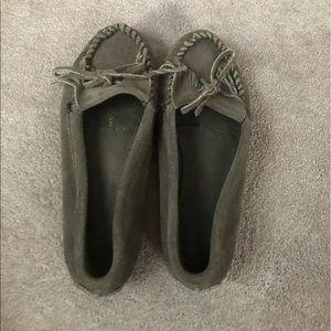Gray minnetonka women's moccasins!